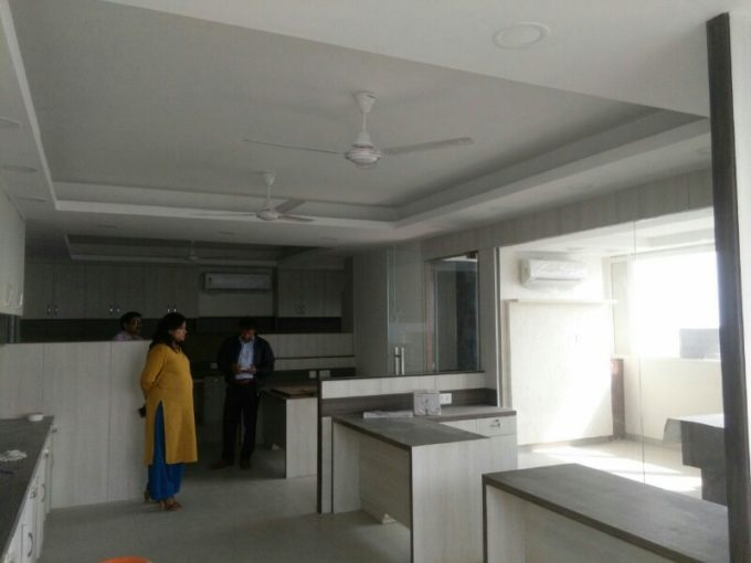 Rent office space in Nehru place low cost