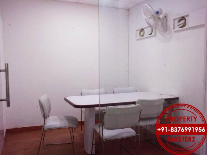 350 ft rent rs 26000  1 cabin 6 workstation Nehru place