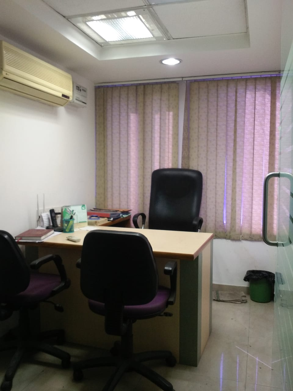 Available small commercial office space on rent in nehru place, delhi south